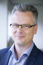 Marcel Pheijffer: Hoogleraar aan Nyenrode Business Universiteit en aan de Universiteit Leiden en lid van de Monitoring Commissie Accountancy