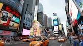 452-453_Dag 2_Europa is gelukkig met vakantie_Fotograaf Rex Features.jpg